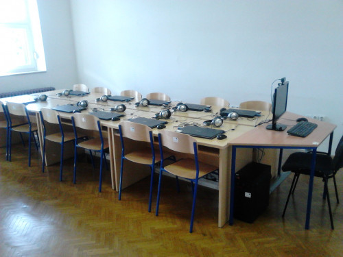 """Uspostavljena multimedijska učionica u školskoj knjižnici u sklopu EU projekta """"Sva lica knjiga-SLIKA"""""""